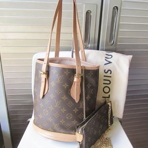 Louis Vuitton Bucket Bag With Pouch MINT CONDITION